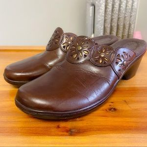 CLARKS - Brown Leather Gold Accent Mules - 7M